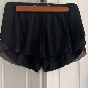 lululemon athletica Shorts - LULU LEMON SHORTS SZ M